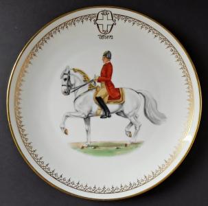 Malovaný talíř s jezdcem na koni - Ernst Wahliss (1).JPG