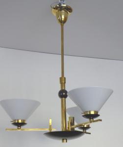 Art dekový lustr z leštěné a patinované mosazi - trychtýřovitá stínidla (1).JPG