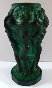 Vázička z jadeitového skla - František Pazourek (1).JPG