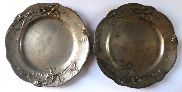 Dva cínové secesní talíře - Kayserzinn, Hugo Leven (1).JPG