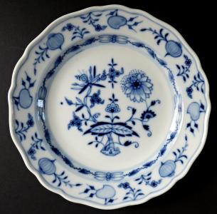 Menší míšeňský talířek, cibulový vzor (1).JPG
