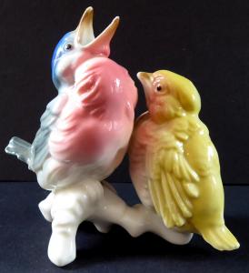 Žlutý a barevný ptáček na větvi - Karl Ens (1).JPG