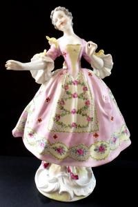 Dívka v růžových šatech, s květinami - Dresden (1).JPG
