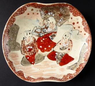 Miska kameninová - tři čínské postavy (1).JPG
