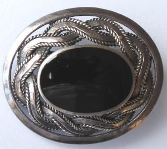 Stříbrná brož, keltský ornament, onyx (1).JPG