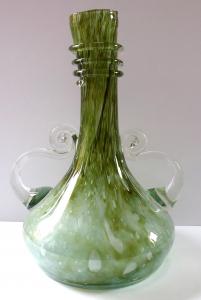 Skleněná váza v antickém tvaru - René Roubíček (1).JPG