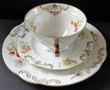 Šálek s podšálkem a dezertním talířkem - Bavaria (1).JPG