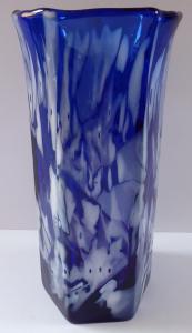 Váza z modrého a bílého skla (1).JPG