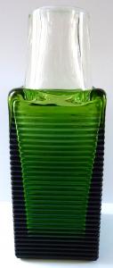Váza z čirého a zeleného skla - František Vízner, Škrdlovice (1).JPG
