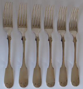 Šest stříbrných vidliček, monogram A. M (1).JPG