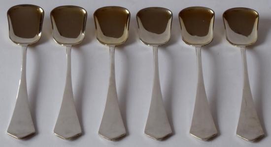 Šest stříbrných dezertních lžiček - Sandrik (1).JPG