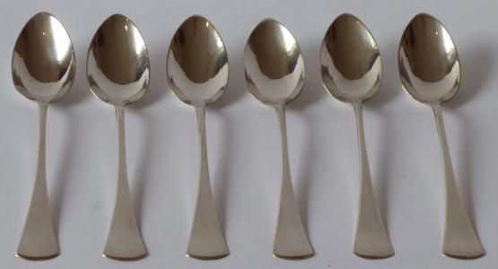 Šest kávových stříbrných lžiček - stříbrník K. Š (1).JPG