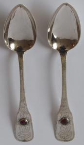 Dvě stříbrné lžíce, s jantarem - Ernst a Alma (1).JPG