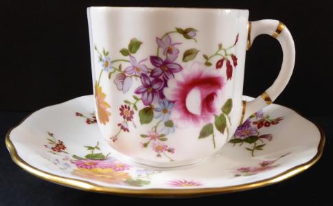 Šálek s pestrými květinami - Derby Posies (1).JPG