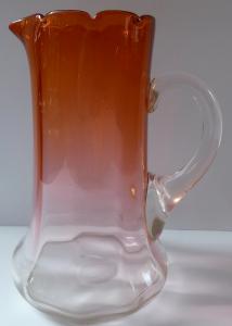 Džbán z opálového a cihlově ambrového skla (1).JPG