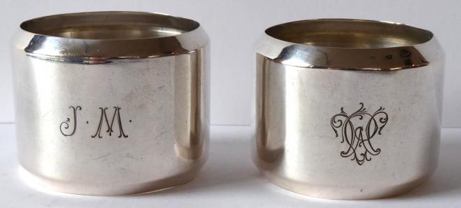 Dva stříbrné držáky na ubrousky - Československo 1921 - 1928 (1).JPG