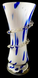 Váza s bílým a modrým sklem - čirá spirála (1).JPG