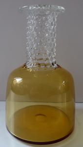 Vázička, žluté sklo a čiré korálky - Jan Gabrhel, rok 1967 (1).JPG