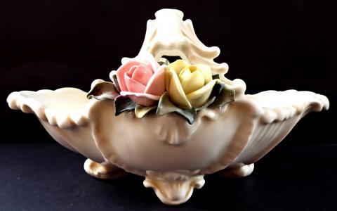 Porcelánový košík, růžové a žluté růže - Karl Ens, Volkstedt (1).JPG