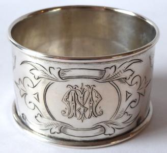 Stříbrný kroužek, monogram M. M. - Vídeň, Eduard Türk (1).JPG