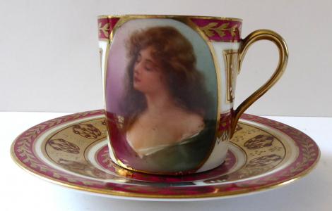 Moka šálek s portrétem dívky - Habsburg porcelain (1).JPG
