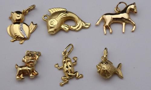 Šest zlatých přívěsků - zvířátka (1).JPG