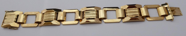 Čtvercový zlatý náramek, s gilošováním (1).JPG
