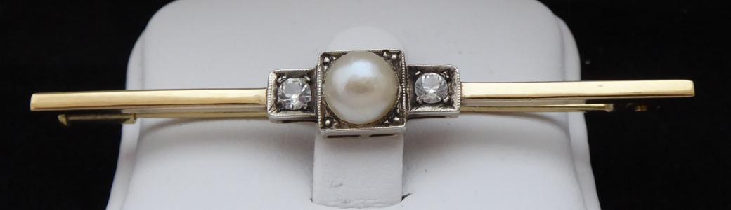 Zlatá brož s perlou a leukosafíry (1).JPG