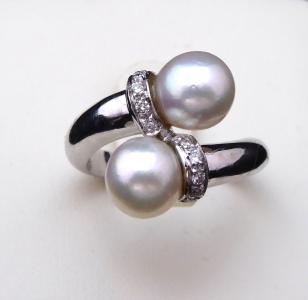 Prsten, dvě mořské perly Akoya, brilianty 0,10 ct (1).JPG