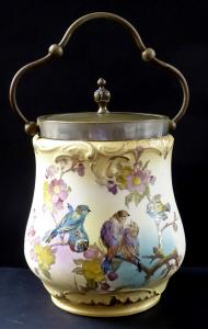 Malovaná nádoba s ptáčky na větvičce, úchytem a víčkem - Franz Anton Mehlem, Bonn (1).JPG