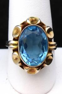Zlacený stříbrný prsten s modrým kamenem (1).JPG