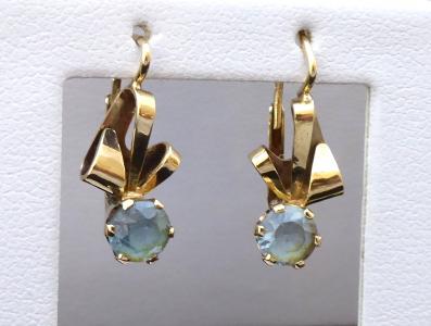Zlaté náušnice, stuhy, modré spinely (1).JPG