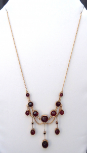 Secesní zlatý náhrdelník s broušenými granáty (1).JPG