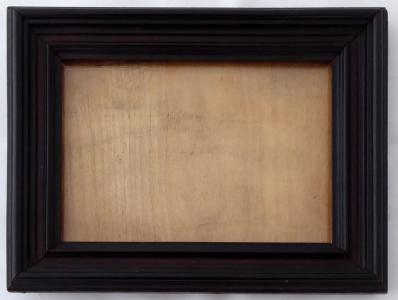 Obdélný stojánek na fotografii, tmavě hnědé dřevo (1).JPG