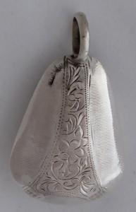 Stříbrné chrastítko - zvoneček (1).JPG