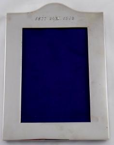 Stříbrný rámeček na fotografii - Londýn, rok 1902 (1).JPG