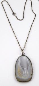 Stříbrný řetízek a přívěsek s achátem (1).JPG