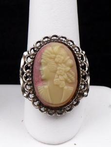 Stříbrný prstýnek s bižuterní kamejí (1).JPG