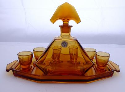 Karafa, skleničky, podnos, z ambrového skla - Stölzle (1).JPG