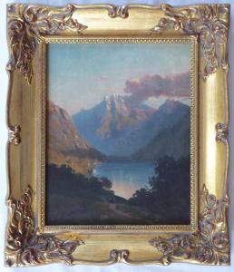 Podvečerní romantická krajina s postavou u horského jezera (1).JPG